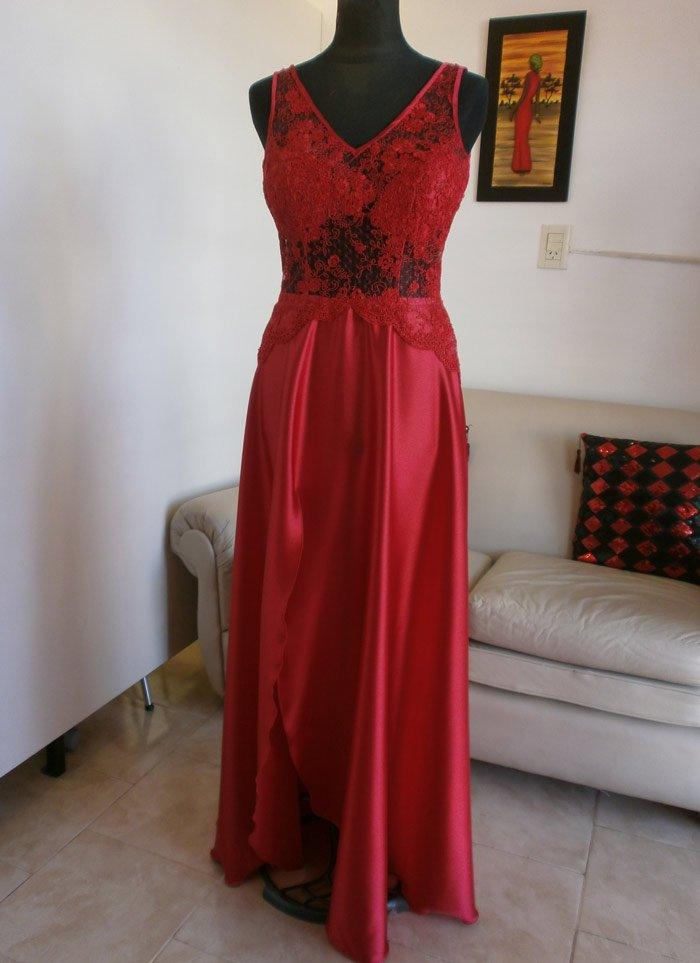 Vestido Rojo Con Transparencias